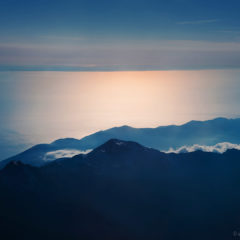 море и горные вершины