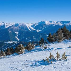 зимний пейзаж в горах