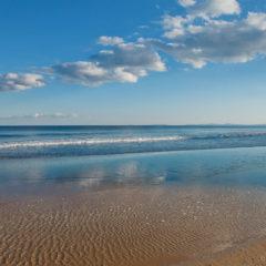 море отражение неба в воде