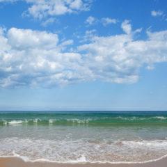 облака синее небо море волна золотой песок