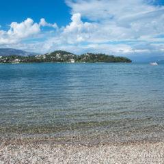 море, прозрачная вода, камушки