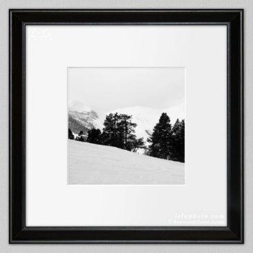черно-белая фотокартина, горы, графика, зима