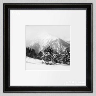 черно-белая фотокартина, горы зимой, пейзаж