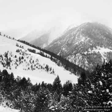 черно-белое фото, горы, зимний пейзаж